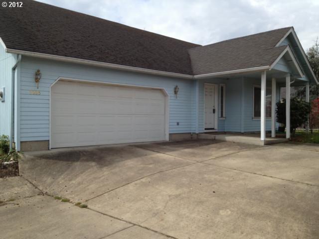 3885 Pinyon St, Springfield, OR