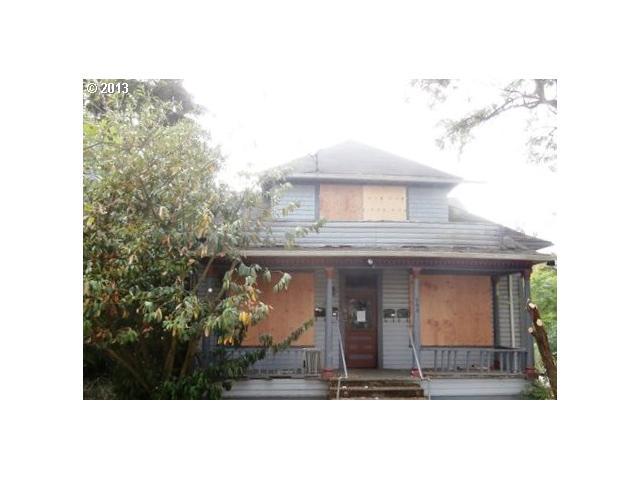 340 SE Pine St, Roseburg OR 97470