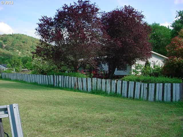 265 Whitetail Ln, Roseburg OR 97471