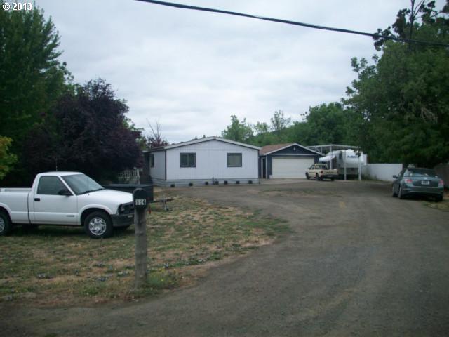 884 NE Sunset St, Roseburg, OR