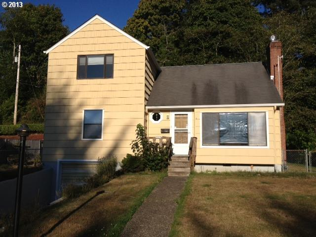 3555 Harrison Dr, Astoria OR 97103