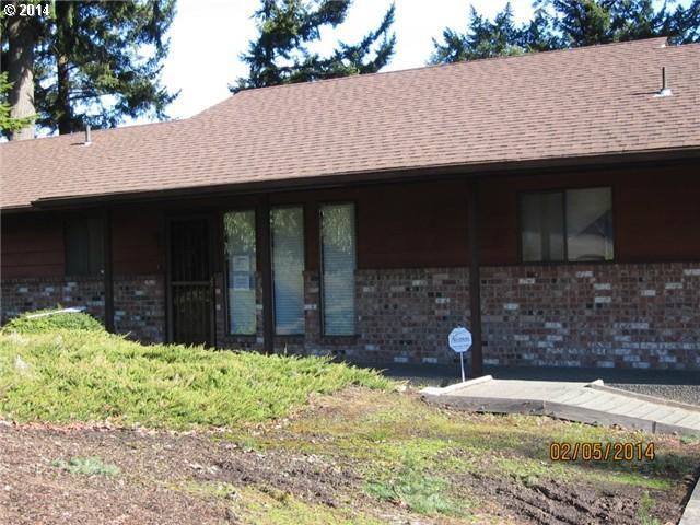 2375 E Lynnwood Dr, Longview WA 98632