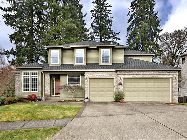 2215 River Heights Cir, West Linn, OR 97068