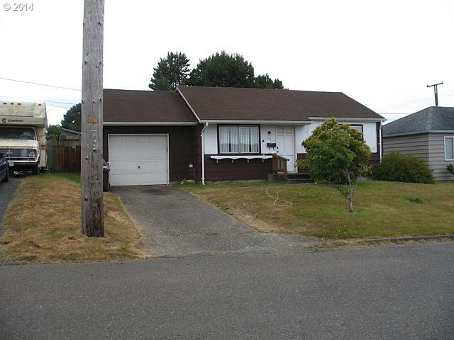 945 Pacific Ave, Coos Bay, OR