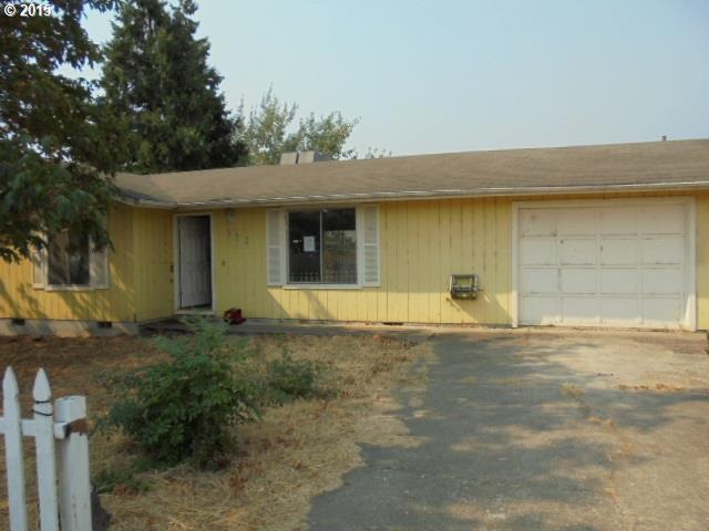 312 D St, Riddle, OR