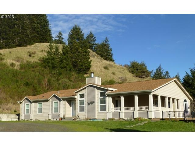 30346 Goudy Rd, Gold Beach, OR 97444