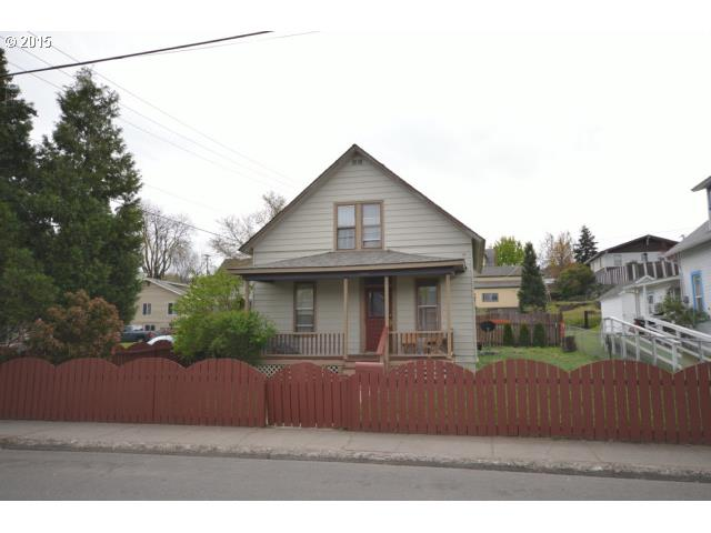 1022 E 9th St, The Dalles, OR