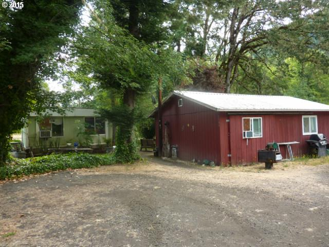 8808 State Highway 42, Tenmile, OR