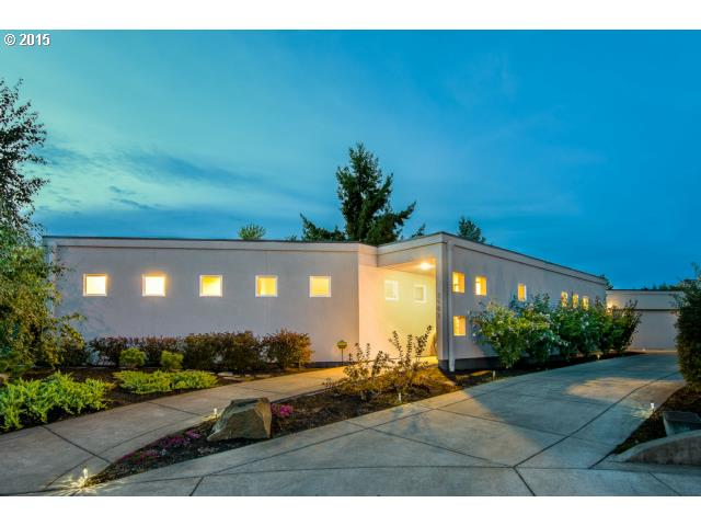 2185 Carriage Dr, Eugene, OR