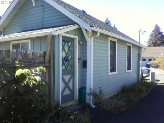 122 N M St, Cottage Grove, OR