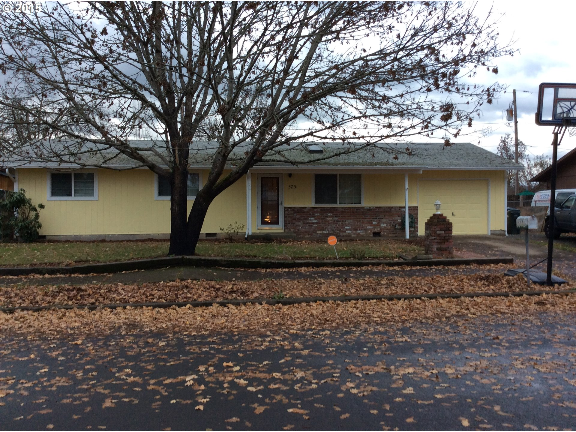 573 S 40th St, Springfield, OR