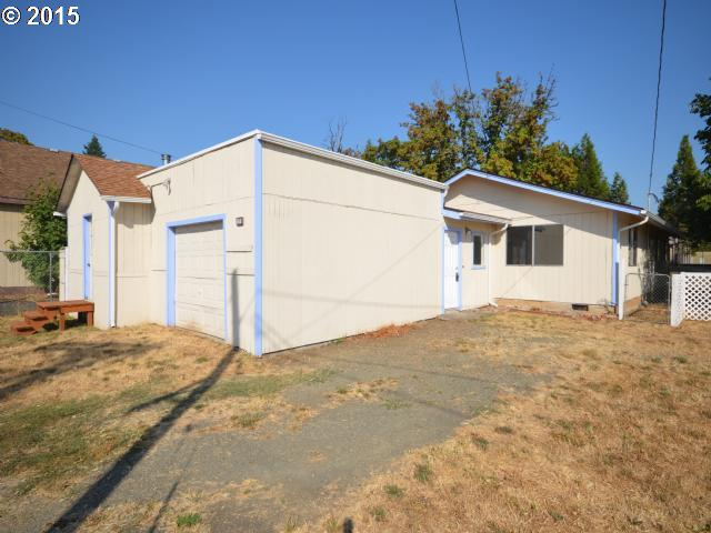 131 N 10th St, Cottage Grove, OR