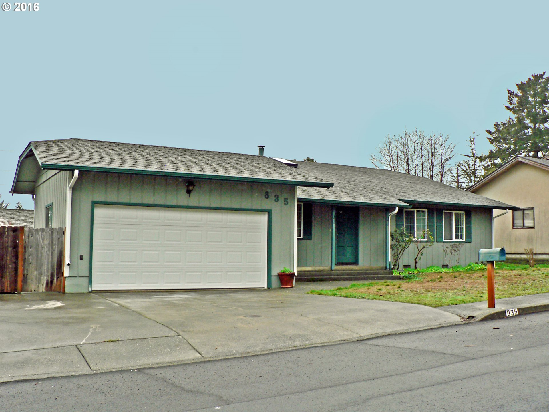 835 Midland Way, Brookings, OR
