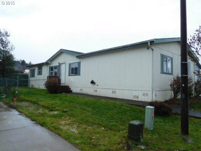 1015 Oak St 18, Silverton, OR