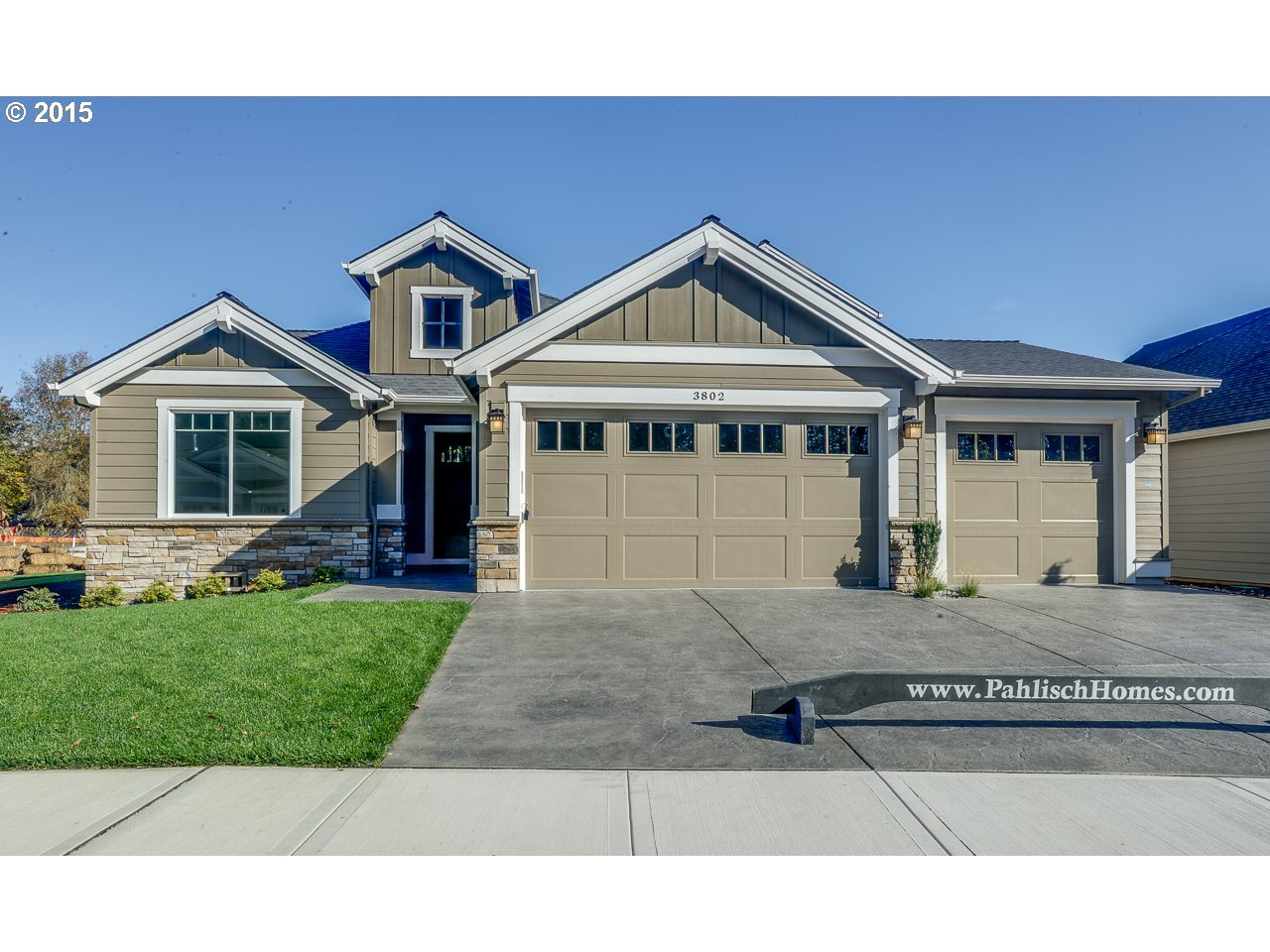 3802 SE Pipers Dr, Hillsboro, OR