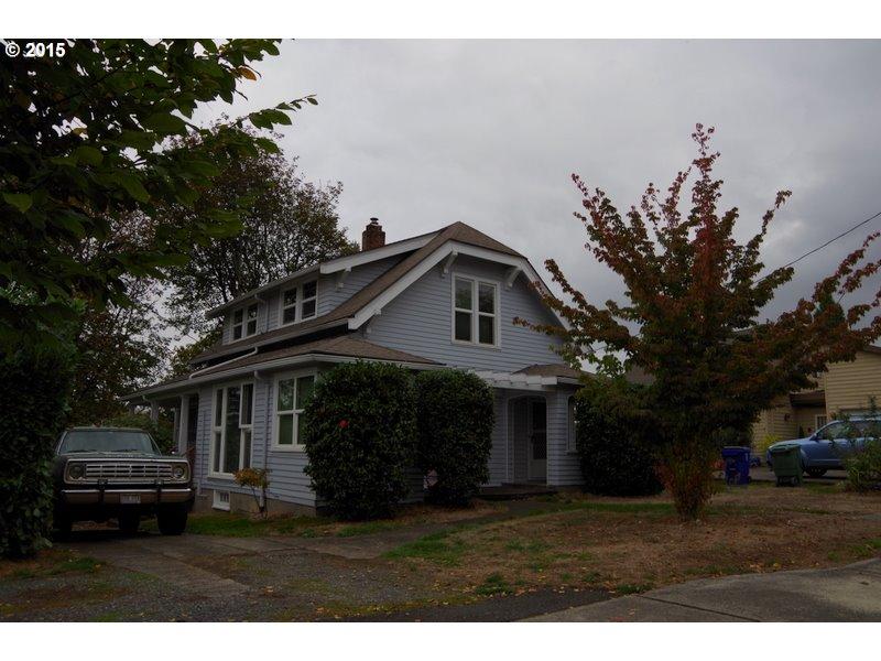 3027 SE Tacoma St, Portland, OR