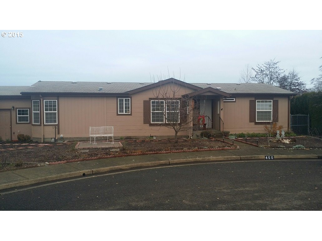 456 E 10th Pl, Junction City, OR