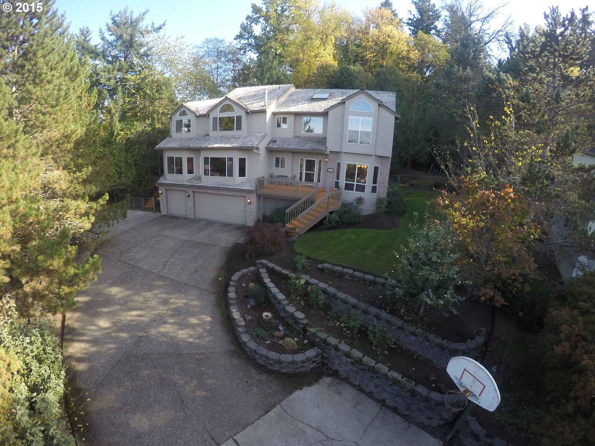 8448 SW 68th Pl, Portland, OR