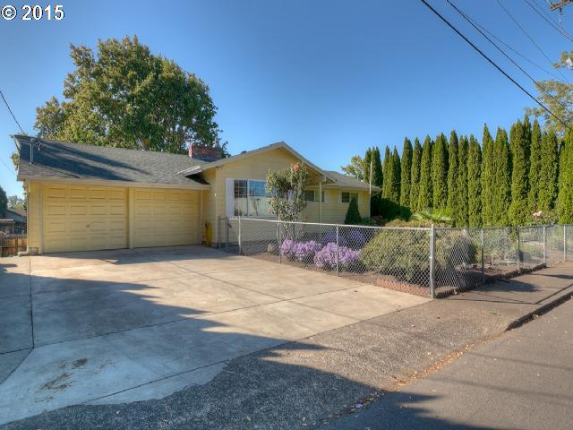 617 Meadowlawn Dr, Salem, OR
