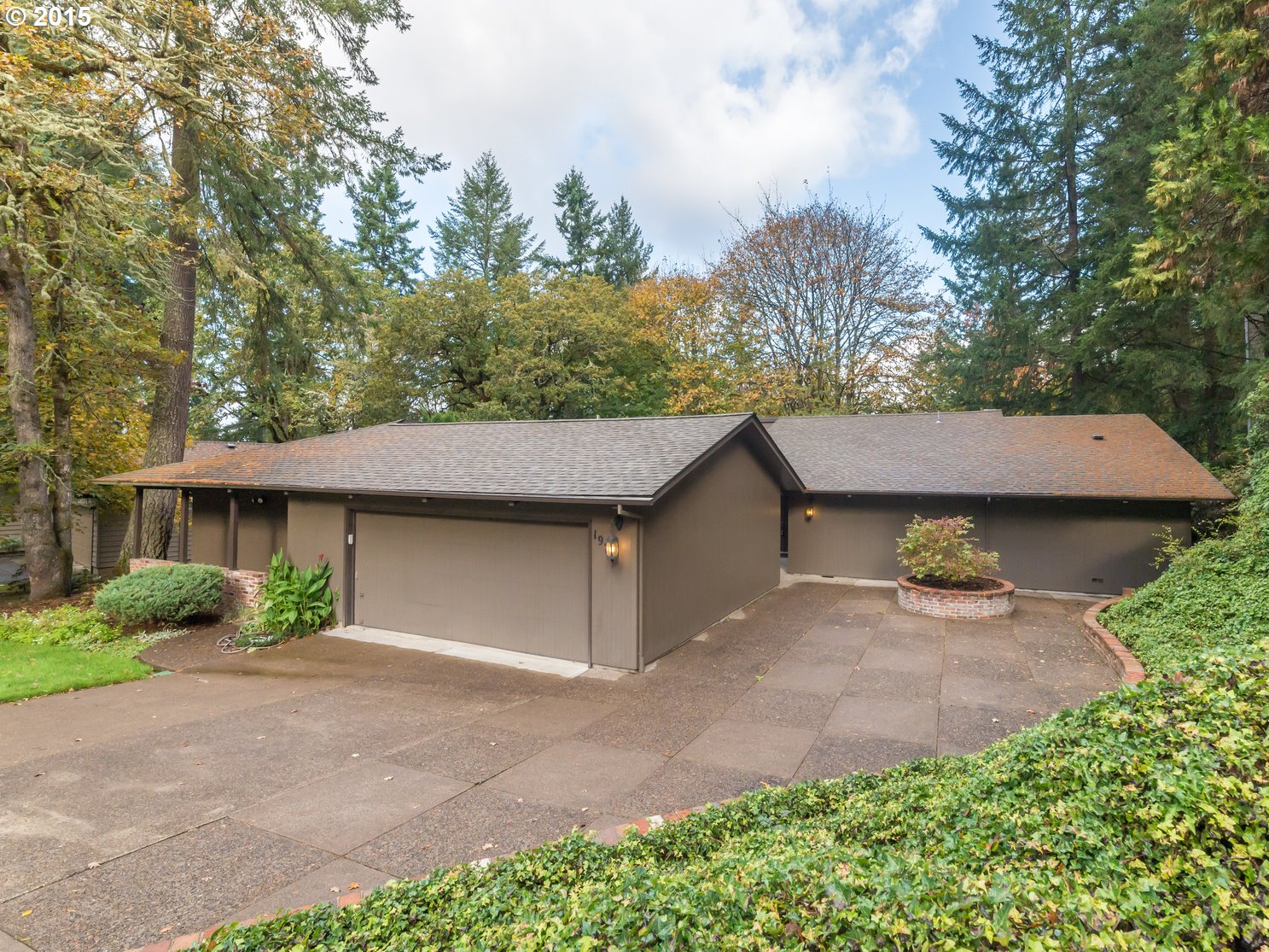 1975 Kimberly Dr, Eugene, OR