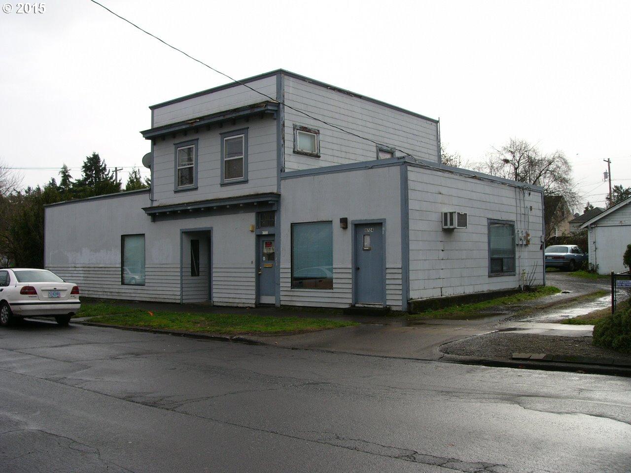 8722 SE Yamhill St, Portland, OR