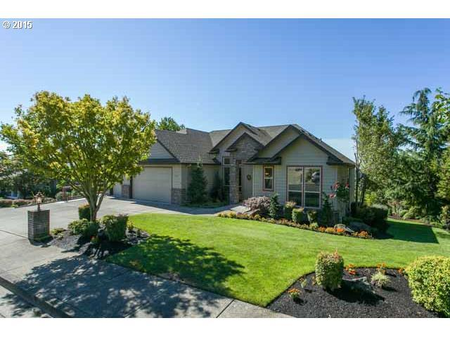959 SW 7th St, Dundee, OR