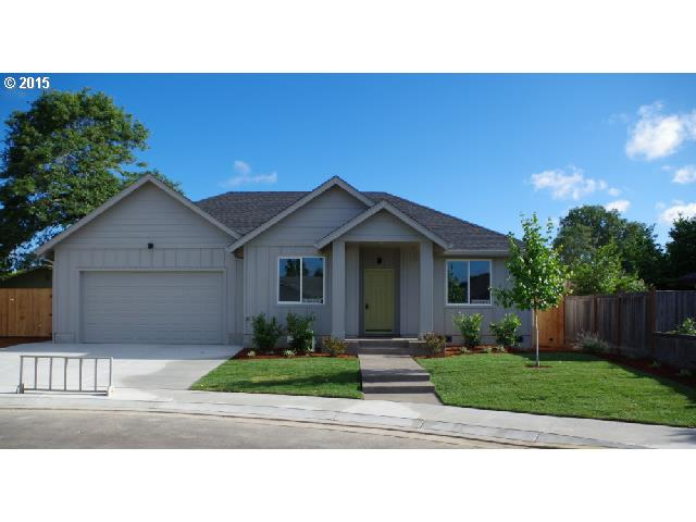 1575 Red Hills Pl, Cottage Grove, OR