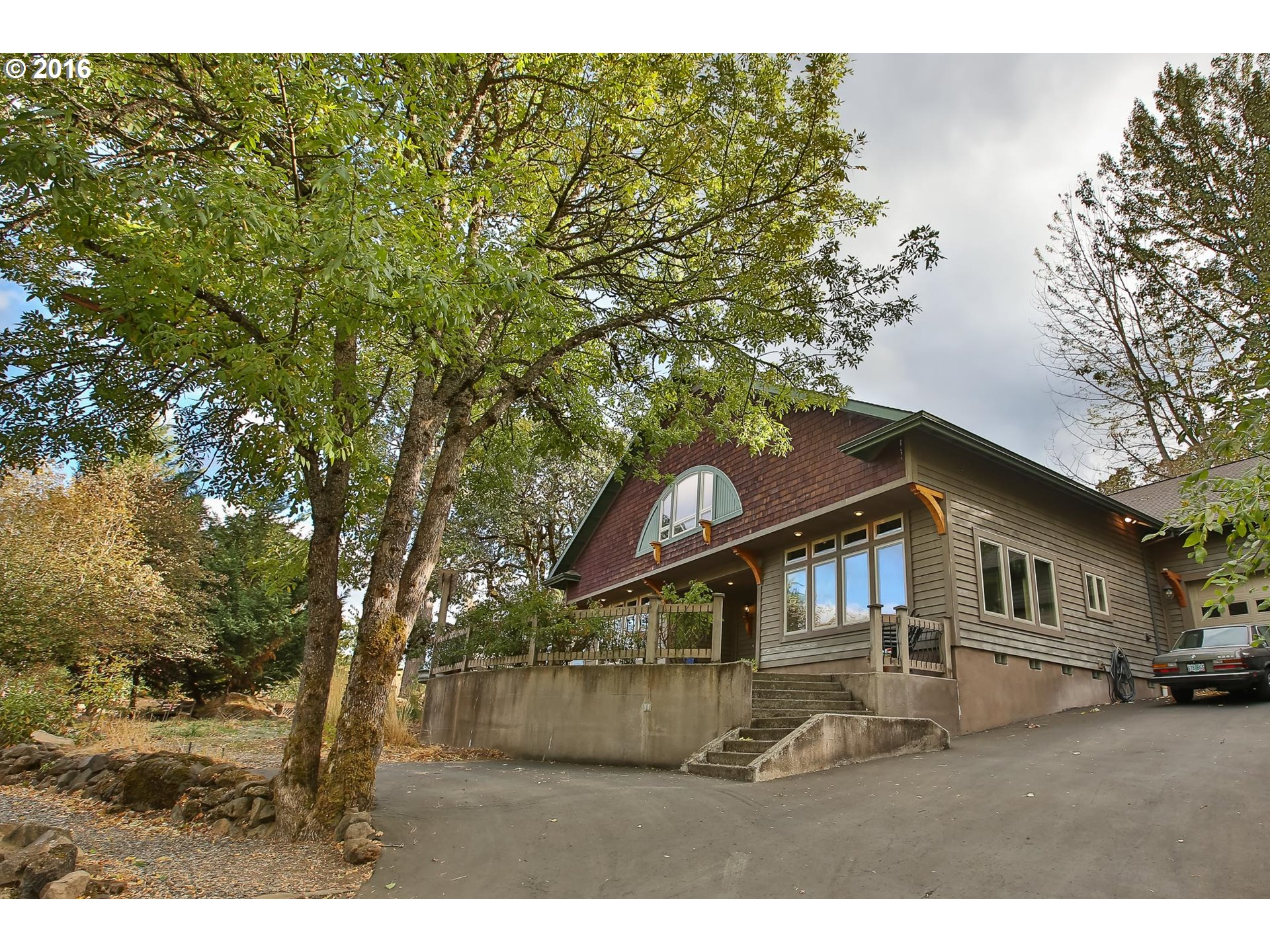 4075 Stonegate Dr, Hood River, OR