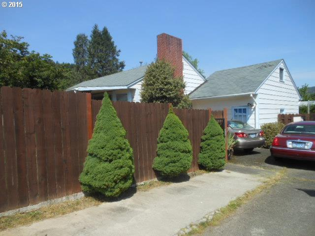 181 NW Oak St, Canyonville, OR