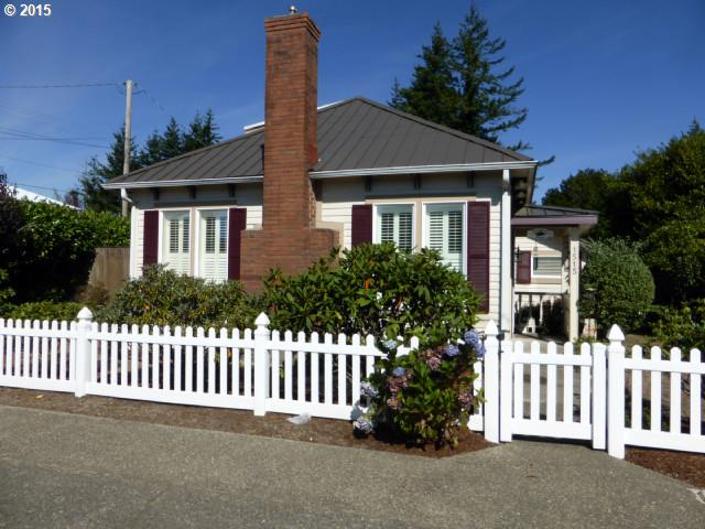 1515 2nd St, Florence, OR