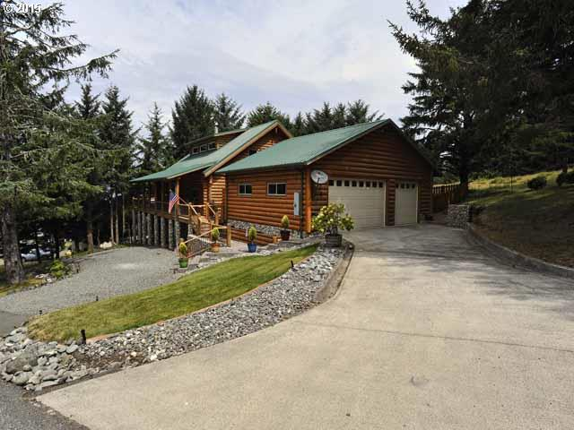94081 Hilltop Dr, Gold Beach, OR