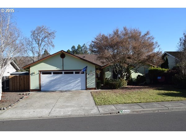 2423 Temple Dr, Medford, OR