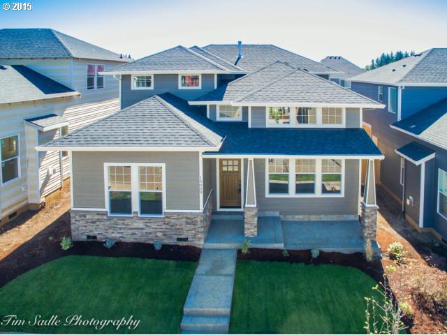 14692 Blue Blossom Way, Oregon City, OR