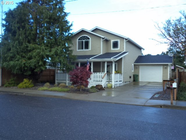 1641 17th St, Florence, OR