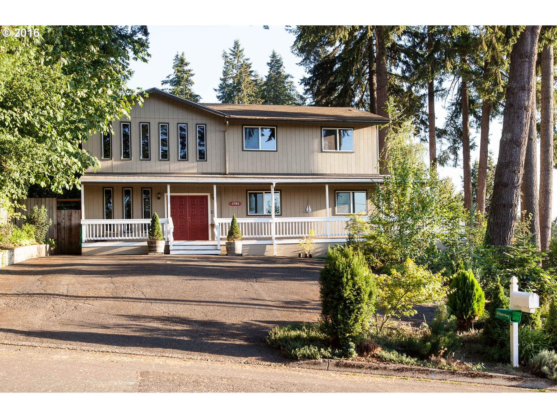 1793 E Taylor Ave, Cottage Grove, OR