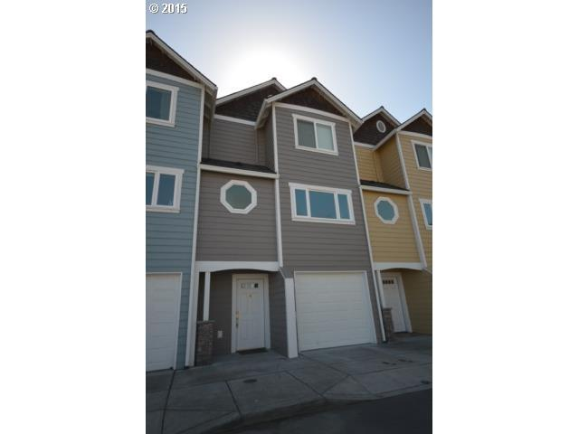 998 W 8th Pl, The Dalles, OR