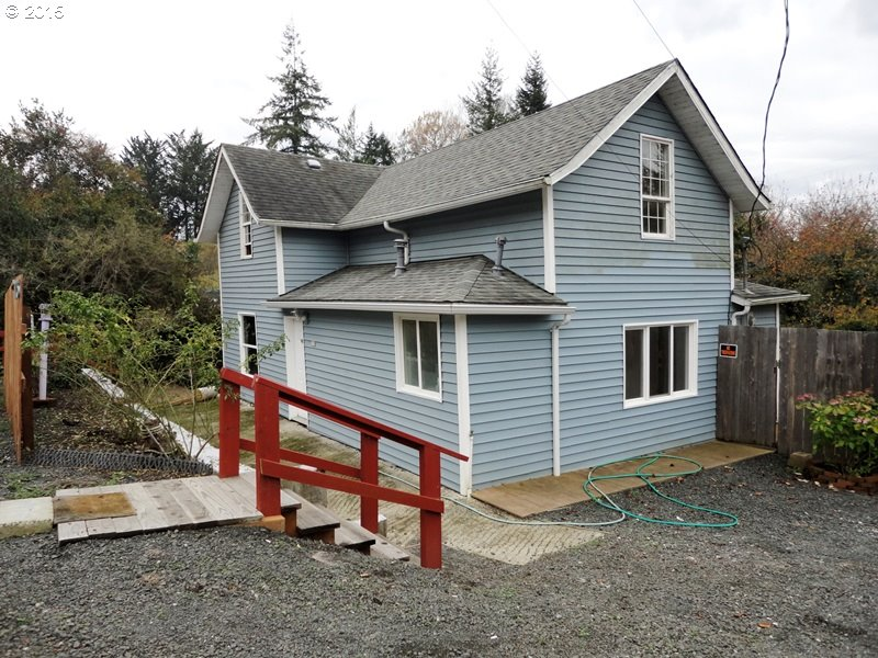 775 N Adams St, Coquille, OR