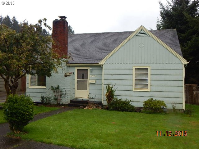 3554 Harrison Dr, Astoria, OR
