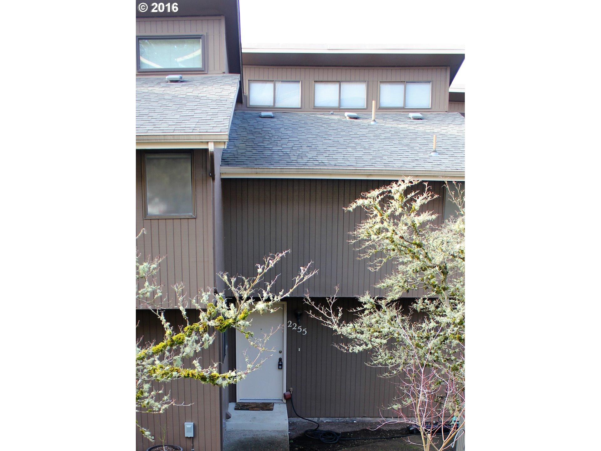 2255 Ridgeway Dr, Eugene, OR