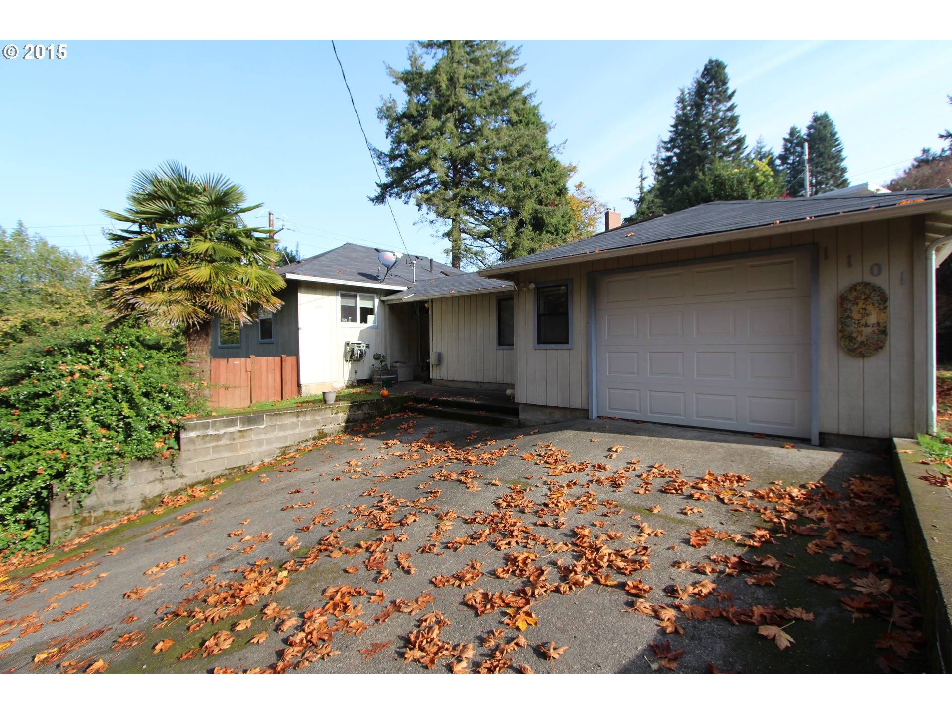 1101 E 2nd St, Coquille, OR