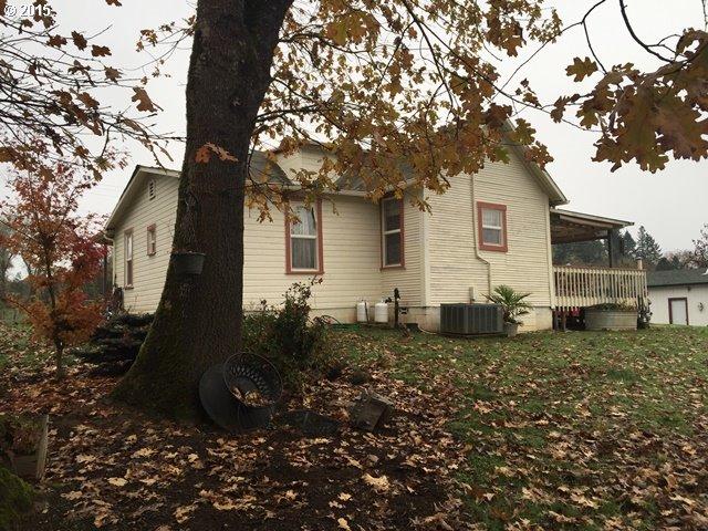 1272 Cleveland Hill Rd, Roseburg, OR