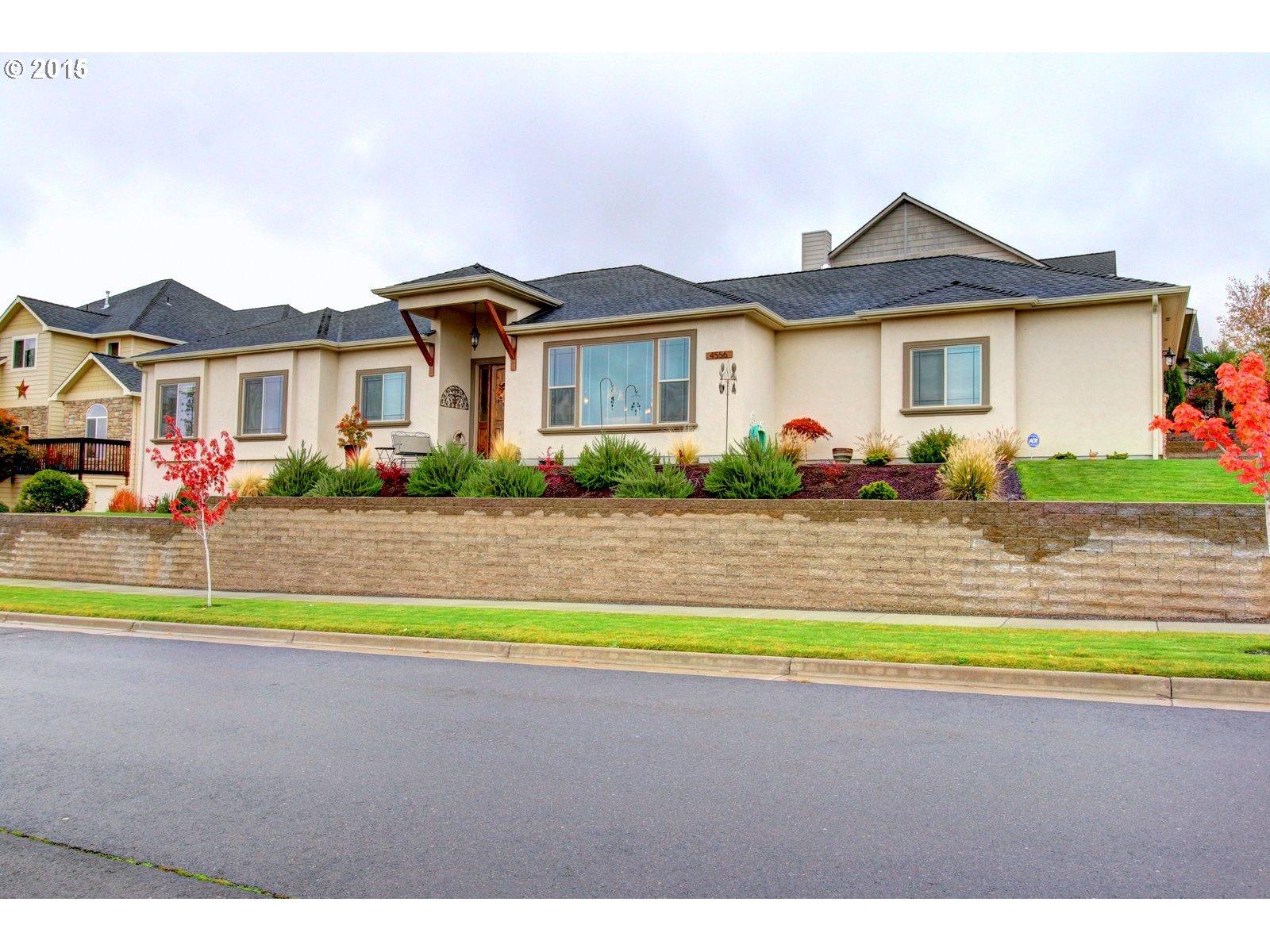 4556 Park Ridge Dr, Medford, OR