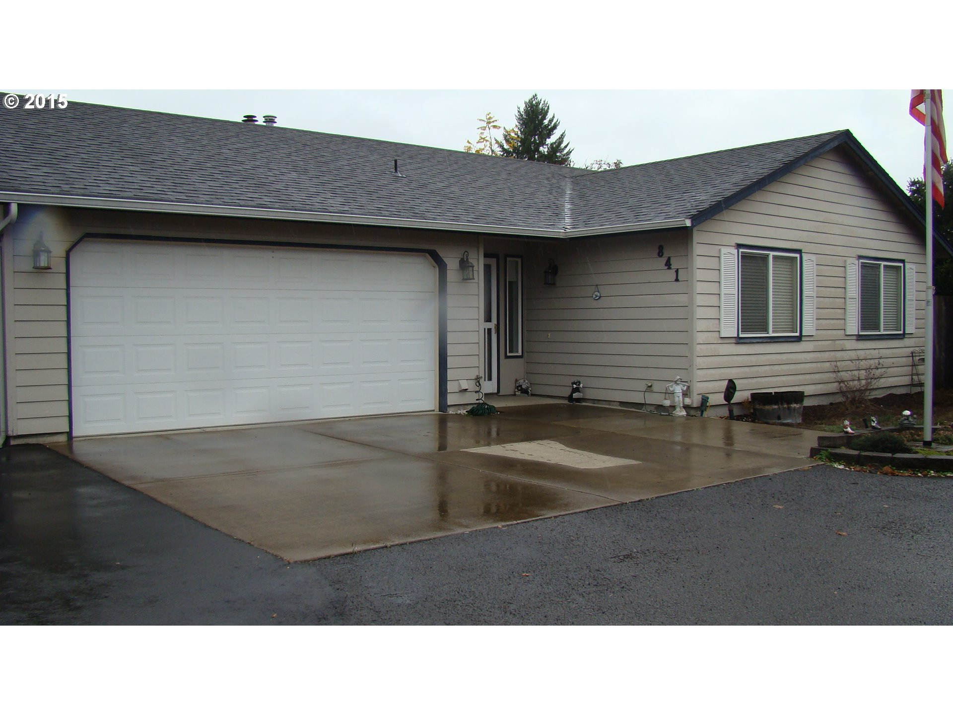 841 57th St, Springfield, OR