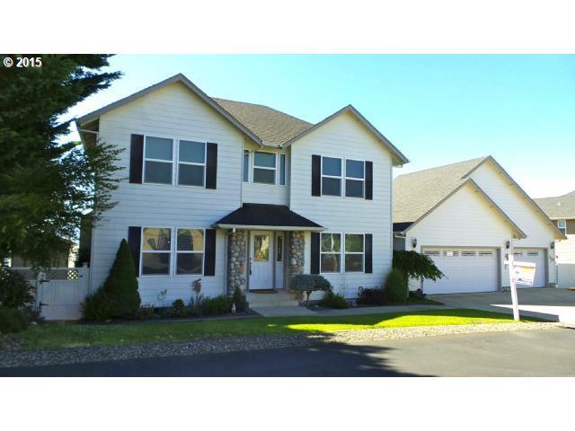 980 NE Granite Ridge St, Roseburg, OR