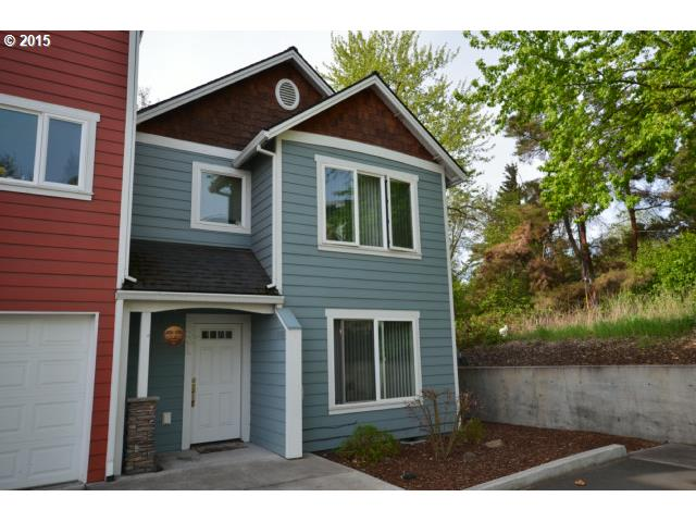 1006 W 8th Pl, The Dalles, OR