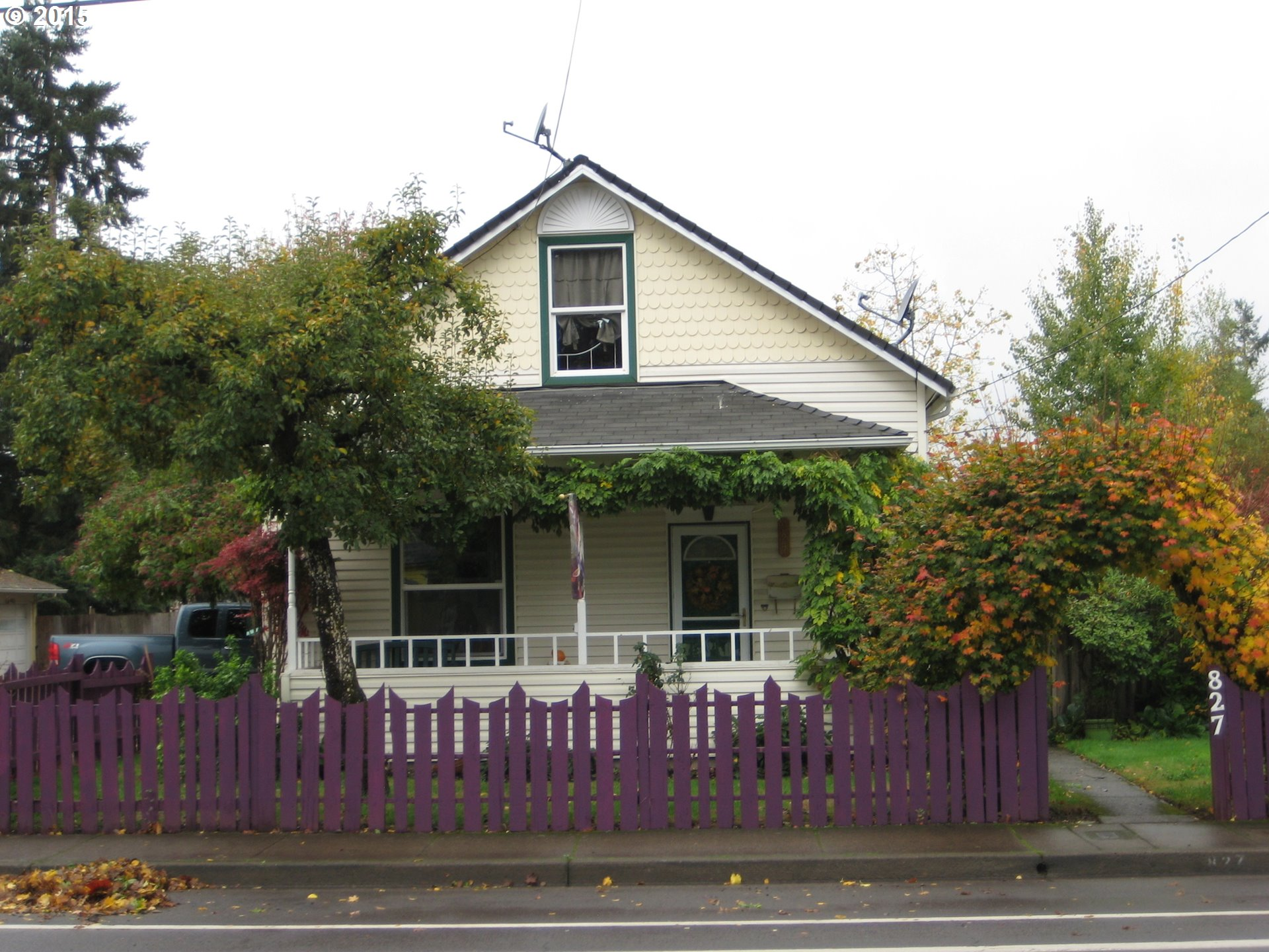 827 S 6th St, Cottage Grove, OR
