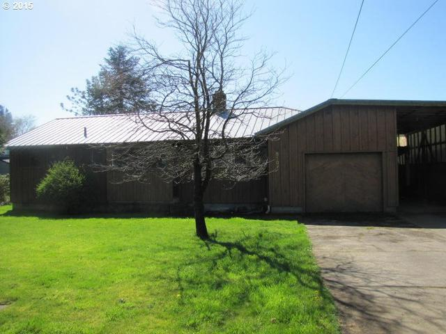 5107 Mountain View Dr, Tillamook OR 97141