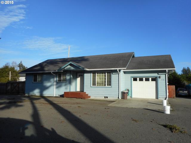 714 Second St, Brookings, OR