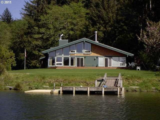 4283 NE East Devils Lake Rd, Otis OR 97368