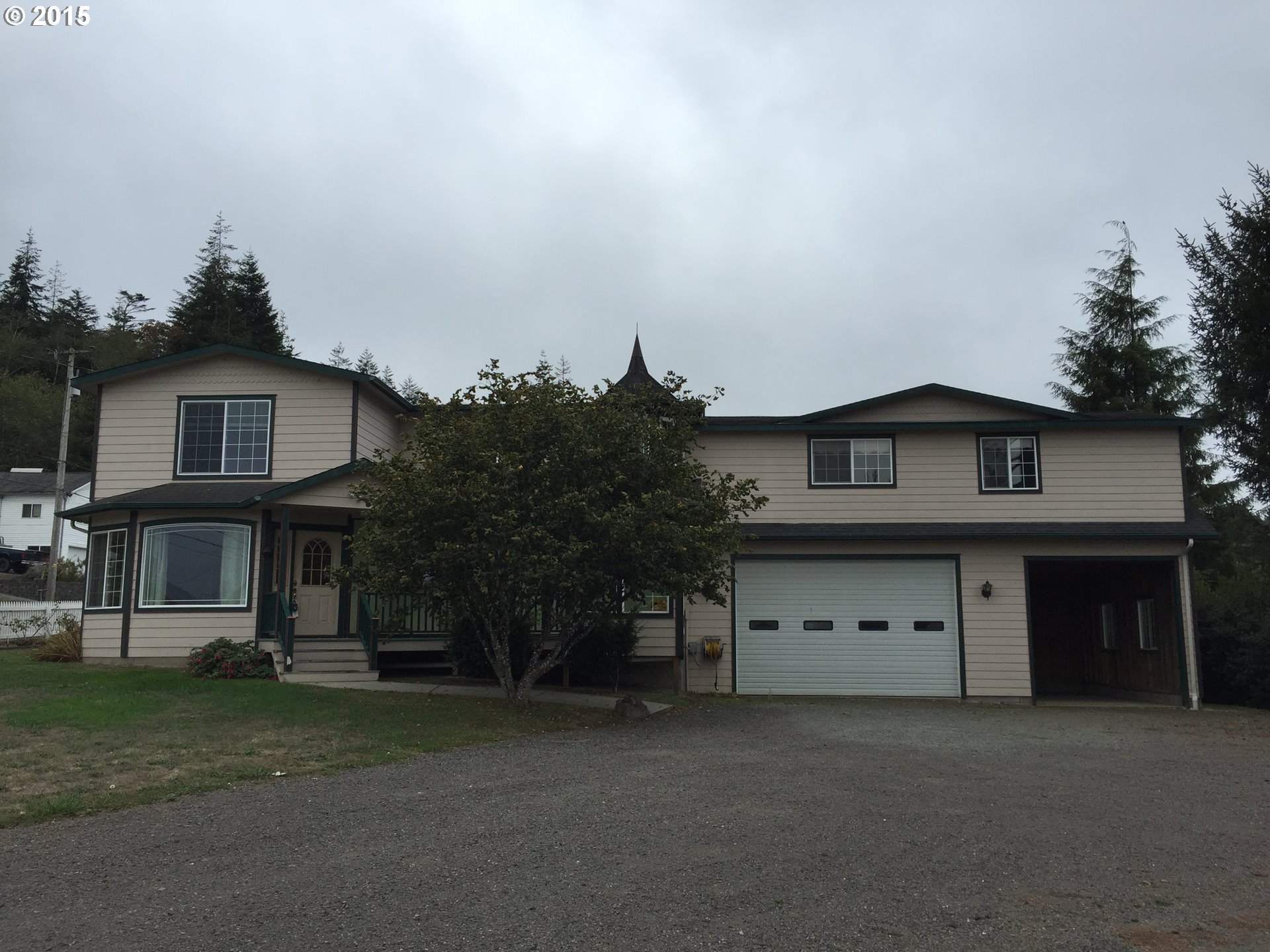 93492 Andrews Rd, Coos Bay, OR